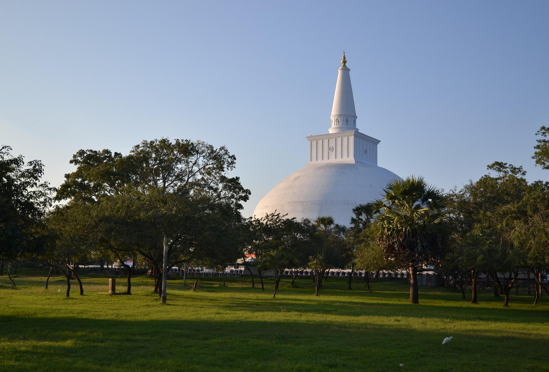 sacred place anuradhapura srilankan guides